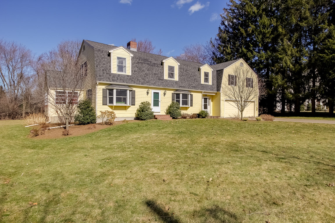 Front Exterior Photo of 26 Fox Hill Street in Westwood, MA