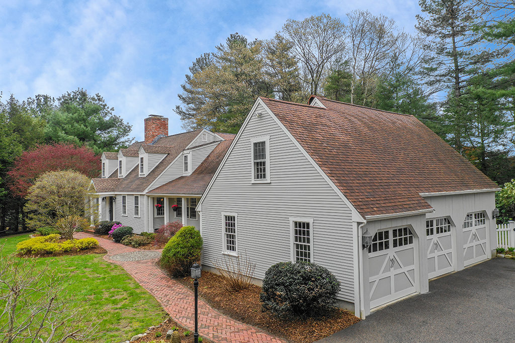 Front Exterior Photograph of One Ben Arthurs Way in Dover MA