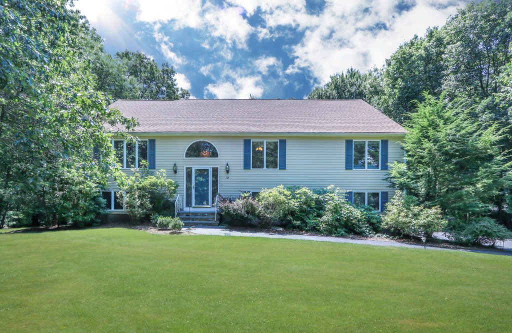 Front Exterior Image of 37 Aspen Road, Sharon MA